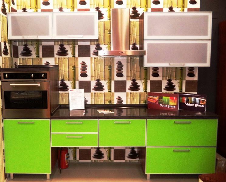 Кухонный стол распродажа выставочных образцов